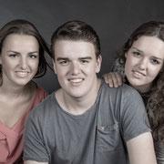 FamiliePakketten, Fotostudioshoot, fotograaf voor uw famileportret, Bij Uwfamiliefoto in oosterhout,  krijgt u een familiefoto voor een lage prijs, gezinsfoto, gratis, kinderfotografie, locatieshoot, winactie