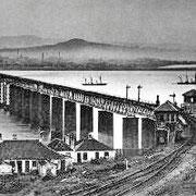 Le pont Tay Bridge original, le lendemain de la catastrophe ferroviaire du pont sur le Tay en 1879