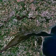 Vue satellite de Dundee et de sa région (2005)