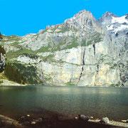 Die Wand über dem Oeschinensee mit der Fründenschnur