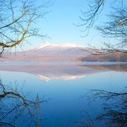 湖面に映る、駒ケ岳
