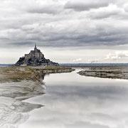 Mont saint Michel et Couesnon vu du barrage de la caserne