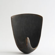 empty water /  2014/W14×D10×H21㎝/陶土、釉薬(earthenware,glaze )    photo by Takeru Koroda