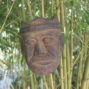 Schutzgeister aus Java, Sumatra, Bali im Bambuswald