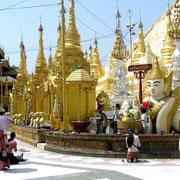 Die weitläufige Tempelanlage ist Wallfahrtsort buddhistischer Gläubiger aus aller Welt.