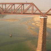 Schnappschuss auf ein spektakuläres Brückenbauwerk.