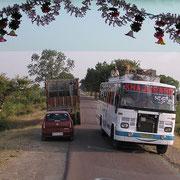 Indien hat Linksverkehr.
