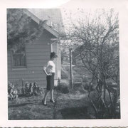 ref: S42 - 9x9cm - A Kodak  paper - 50/60s-