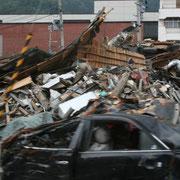 瓦礫の山、地震や津波の恐ろしさで言葉もありません。