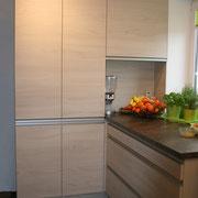 Einbauküche in Holzdekor