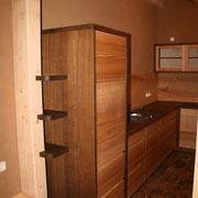 Massivholzküche Räuchereiche und Esche - Abschlussregal