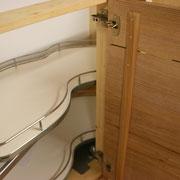 Massivholzküche Räuchereiche und Esche - Schwenkbeschlag