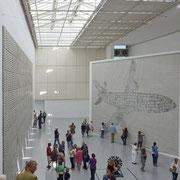 Documenta 2012 | Raum mit Kunstwerk von Julie Mehretu