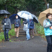 14.あいにくの雨で矢シ塚公園は説明だけに