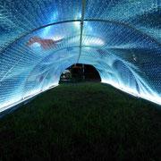 幻想的なトンネルです。