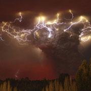 Извержение вулкана Пуйеху (Puyehue) в Чили.