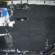 Шумоизоляция Honda Pilot Герметон 7 на обшивке для шумопоглощения и лучшего прилегания обшивки