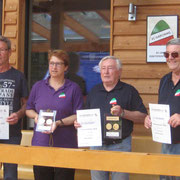 Wir  gratulieren : Arnold, Reni, Karl, Heiko