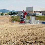 impianto di bitume costruito sul fondale della cava nella località Magazzino ( Savignano)
