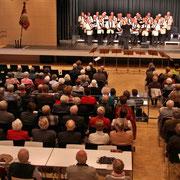 Aufmerksame Zuhörer beim Konzert des Männerchores Bad Bentheim im Forum