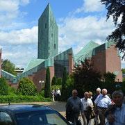 Die kath. Kirche St. Paus in Bocholt - eine moderne Kirche
