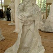 Etude de Balzac- avec robe de bure Il cherche des compromis entre sa vision et leurs demandes. Mais cela n'est pas satisfaisant...