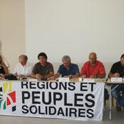 Débat sur la nécessité d'une collectivité territoriale basque spécifique, avec, notamment la sénatrice PS, Frédérique Espagnac, Sauveur Bacho, vice-président du Biltzar des communes, Colette Capdevielle, députée PS à l'Assemblée Nationale