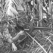 Légionnaires du 1er BEP servant une mitrailleuse Reibel (www.caobang.fr)