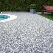 Steinteppich Poolumrandung