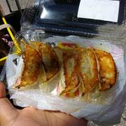 お昼は餃子*特価100円**