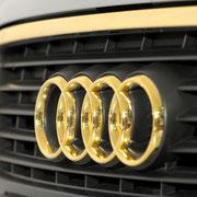 Audi Emblem24 Karat vergoldet