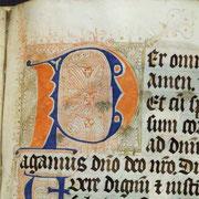 Lettrine : première lettre décorée d'une page