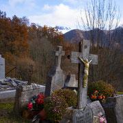 Kerkhof bij Balacet, Franse Pyreneeën