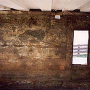 Die Wandmalerei vor der Restauration.