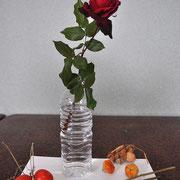モチーフ:バラ、カラスウリ、ホオズキ、トウガラシ