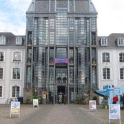 Das Schloss! Messegebäude der Kinder und Jugendbuchmesse