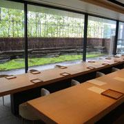 東京 表参道 茶酒 金田中 杉本博司 檜の一枚板