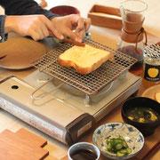 週末の朝 パン Coffee 三谷龍二