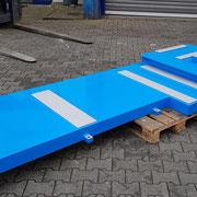 Grundplatte, Flächen mechanisch bearbeitet und anschließend lackiert nach Kundenvorgaben
