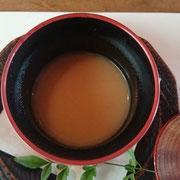 椀物 里芋と人参自家製スープ(里芋・・・胃の消化を助ける)