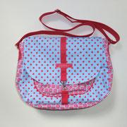 9 Handtasche mit vertellbarem Giff, Innentasche und Reißverschlussinnentasche auf der Rückseite