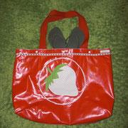 2 Bade- oder Sporttasche aus Wachstuch