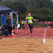 4,17m und Platz 3 für Viktoria