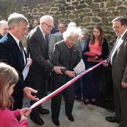 Inauguration du Mémorial le 25 avril 2012 en présence de Déportés dont Mme CHOMBART DE LAUWE, présidente de la Fondation