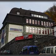 Das frühere Mädchengymnasium an der Thoméestraße beherbert heute das Deutsche Drahtmuseum