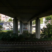 Unter der Fritz-Berg-Brücke