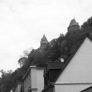 Die Burg thront über der Stadt Altena