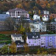 Kreisverwaltung, Burggymnasium und Stadtverwaltung liegen nah beieinander an Bismarckstraße und Lüdenscheider Straße