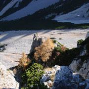Tiefblick in die Krumme Ries vom Grat aus