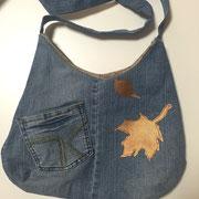 Tasche aus alten Jeans mit Applikation